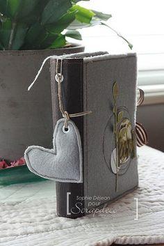 paper bag album with felt cover Mini Album Scrap, Mini Albums Scrapbook, Scrapbook Paper Crafts, Scrapbooking, Paper Bag Album, Paper Bags, American Crafts, Journal Inspiration, Kit