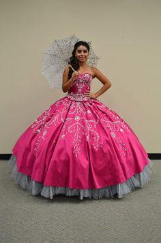 Pas cher Romantique Hot Pink robes De Quinceanera robe De bal avec perles  broderie volants douce