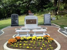 Tuskegee Airmen Memorial Built By Rome Monument Plaque Design, Tuskegee Airmen, Veterans Memorial, Outdoor Furniture Sets, Outdoor Decor, Armed Forces, Rome, Markers, Photos