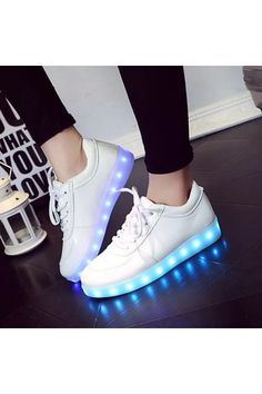 Unisex LED Light Lace Up Luminous Shoes Sportswear Sneaker Luminous Shoes Hot | ราคา: ฿745.00 | Brand: Unbranded/Generic | See info: http://www.topsellershoes.com/product/34288/unisex-led-light-lace-up-luminous-shoes-sportswear-sneaker-luminous-shoes-hot