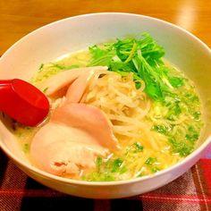 きょうは1日寒かったわー。 ラーメンであったまる〜(≧∇≦)  2014.11.5 - 42件のもぐもぐ - 塩ラーメンで夕食 by kazu347