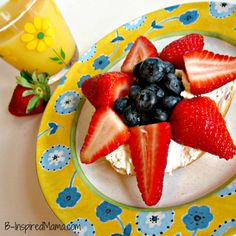 Bagel and Berry Flower  Breakfast at B-InspiredMama.com
