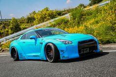 Liberty Walk wide-body Nissan GT-R