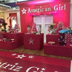 Festa Linda acontecendo agora da Bia 7 anos. #americangirl #festaamericangirl #americangirlparty @maavelino @spassosplash @carolarteira @tchurminhanossa @mariairaildes