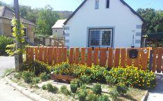 házfelújító vállalkozót keres, +36 30 532 7489 Cottage Homes, Pergola, Shed, Outdoor Structures, Cabin, Country, House Styles, Outdoor Decor, Modern