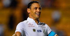 Ricardo Oliveira chapelou o goleiro em um dos dois gols marcados por ele na vitória santista