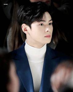 8 chàng rể trong mơ của Knet: Cả dàn nam thần cực phẩm nhìn là muốn dẫn về ra mắt bố mẹ luôn, nhưng idol nào hot nhất? Korean Men, Korean Actors, Cha Eun Woo Astro, Handsome Faces, Jinyoung, True Beauty, Baekhyun, Kdrama, Kpop