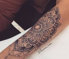 Resultado de imagen de hand wrist mandala tattoos