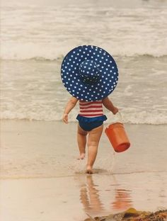 How adorable is this Fourth of July beach babe? Red, white, and blue all over. Little People, Little Ones, Little Girls, Baby Kind, Baby Love, Cute Kids, Cute Babies, Kind Photo, Nice Picture