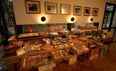 Café da manhã / Padaria Rua Tuim, 653 - Moema, São Paulo - SP, 04514-103  Image from http://media.timeout.com.br/contentFiles/image/saopaulo/03_CAFES/venues/cafes/bles-dor/1bles-dor_bx_pi.jpg.