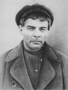 Lenin-last-underground,_1917.jpg 446×590 pixelov