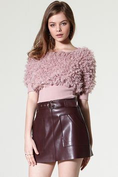 Chen Belt Leather Skirt Discover the latest fashion trends online at storets.com #Wide Leg Pants #Ruffle Blouse #Cut Out Top
