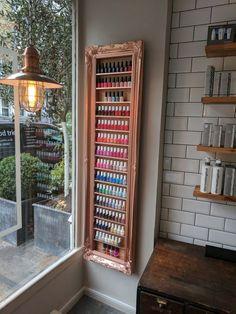 Nail polish rack display frame rose gold/metallic copper space saving idea… Source by kashushi Home Beauty Salon, Home Nail Salon, Nail Salon Design, Beauty Salon Decor, Salon Interior Design, Beauty Salon Interior, Nail Desk, Nail Room, Privates Nagelstudio
