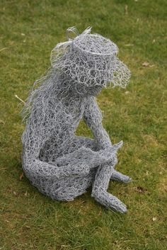 These handmade wire sculptures are life-size recreations of wild and domestic animals, produced from little more than galvanised fencing and chicken wire. Description from holmfieldnurseries.co.uk. I searched for this on bing.com/images