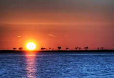 I never get tired of sunsets..:)