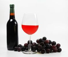 Contrary to the popular belief, grape wine making at home is easy. There are people who have obtained great results with it. Learn more about wine making from the following article.