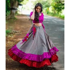 5 of Navratri Chaniya Choli designs if you want to go viral – GirlandWorld Lehnga Dress, Lehenga Gown, Anarkali, Silk Lehenga, Choli Designs, Lehenga Designs, Blouse Designs, Mehndi Designs, Cotton Lehenga