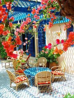 perfect summer patio!  so beautiful!! I love all the florals :) #anthropologie #PintoWin