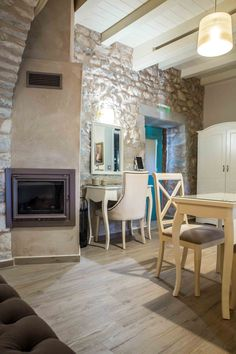 About a year ago, an old building of 1858 was transformed into a olea traditional guesthouse that combines all contemporary comforts. Old Building, Greeks, Traditional, Contemporary, Country, House, Home Decor, Decoration Home, Rural Area