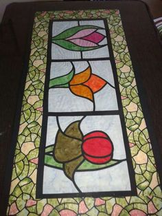 Stained Glass Quilt, Stained Glass Patterns, Patchwork Table Runner, Tablerunners, Mug Rugs, Threading, Quilting Designs, Needlepoint, Quilt Patterns