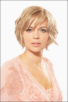 Short Layer Curly Hair Cuts for round face | Short Hairstyles for Round Faces Ideas, Short Hair Cut for Round Faces ...