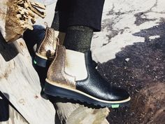 Gold Women's slip on Northern Light boot with soft sheepskin lining, elastic on both sides and an unique Northern Light sole. Warm and stylish boot for Autumn and Winter. Fresh and raw boots. Loafer Shoes, Loafers, Stylish Boots, Ladies Slips, Fashion Boots, Chelsea Boots, Calves, Slip On, Pairs
