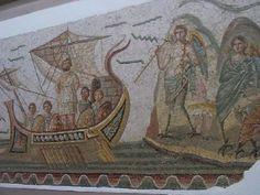 La nave che trasporta Ulisse e i suoi compagni passa vicino all'isola delle sirene; per resistere al loro canto Ulisse fa chiudere le orecchie di tutti con la cera e si fa legare all'albero della nave per non cedere alla tentazione di gettarsi in mare. (IV sec. d.C.) da Dougga - Museo del Bardo, Tunisi