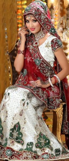 When it comes to beauty no bride in the world can stand against an Indian Bride. Indian brides are the most beautiful brides. You will find every color in an India brides wedding dresses. to prove my point I have collected top 10 Indian bride dresses. Wedding Lehnga, Bridal Lehenga Choli, Pakistani Bridal, Indian Bridal, Net Lehenga, Indian Dresses, Indian Outfits, Ethnic Fashion, Indian Fashion