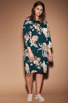 f23e744498750f Mooie tuniek van Junarose met een vrolijke bloemprint! #fashion #plussize  #plussizefashion grote
