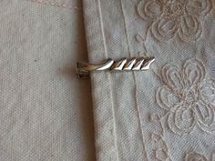 Vintage gold tie clip, gold tone tie clip, vintage tie clip, gold tie clip, tie clips gold, tie clips, vintage tie clip C33 by DuckCedar on Etsy