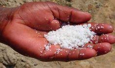 MAGNESIO: costa poco ed aiuta a curare quasi tutto. E lo scarto del sale ma è indispensabile per lattività di oltre 300 enzimi e svolge un ruolo fond magnesio cure