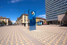 Martin Bricelj Baraga's monolithic sculpture measures the blueness of the sky, and changes color to match it.