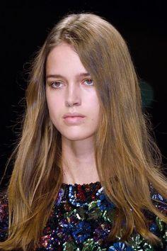 HAIR: Burberry Fall 2016 Beauty