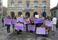 Concentración contra la violencia doméstica en Gijón