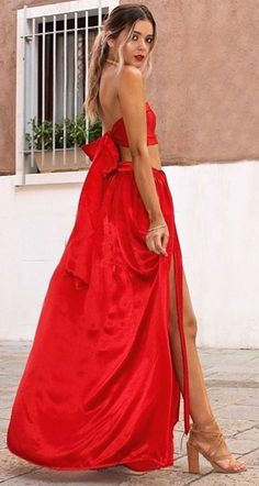 Personal style is attitude, attitude, attitude It has to come from within Fashion 2018, Spring Fashion, Red Maxi, Nude Sandals, Day Dresses, Wedding Dresses, Formal Gowns, V Neck Dress, Lady In Red