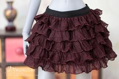 Finally found JUST skirt for my SD/F60 girls, that are fun. Will look great with new corsets. Dark brown ruffle skirt -for 1/3 sd bjd & dollfie dream