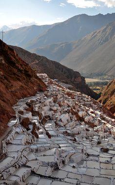 Somewhere in between Cuzco and Machu Pichu, I went to see this salt mine - Urubamba Sacred Valley, Peru Machu Picchu, Wonderful Places, Beautiful Places, Peru Travel, Bolivia Travel, Hawaii Travel, Italy Travel, Equador, Inca