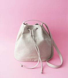 www.lull.com.pl  #lull #bags #leather #lullbags #summer #perfect #bucketbag #leathercraft #grey #design #style #instaphoto #accessories #handmade #pinc #naturalleather #fashion #simple #fashion