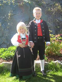 bunad-traditional dress in Norway for special occassions