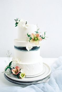 Your Ideal Wedding Cake, According to Your Zodiac Sign {Ali Briskey Designs}
