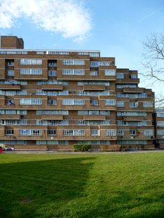 UK, London, Dawsons Heights apartments. Architect Kate Macintosh, 1972. Dream Land, London Calling, Condominium, Apartments, Buildings, Multi Story Building, History, Architecture, Day