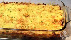 Heerlijk, een ovenschotel! Makkelijk en smaakvol! Ovenschotels zijn een makkelijke manier om met zo min mogelijk moeite een smaakvolle maaltijd op tafel te zetten. Je gooit alles in een schaal, schuift het de oven in en het enige wat je nog hoeft te doen is afwachten. De keuken is geen troep, je