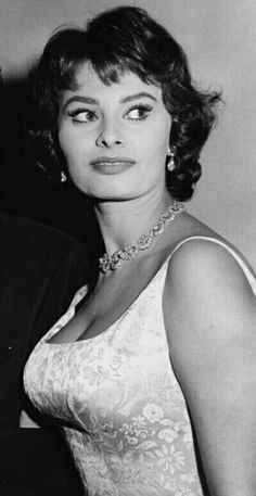 Hollywood Stars, Classic Hollywood, Old Hollywood, Classic Beauty, Timeless Beauty, Hollywood Actresses, Actors & Actresses, Loren Sofia, Sophia Loren Images