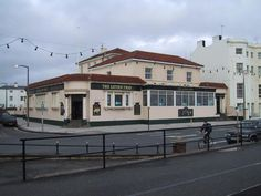 The Litten Tree Pub in Worthing
