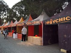 In my absolute favorite Halloween event was the Los Angeles Haunted Hayride , then in its inaugural year. I had only seen haunted hay. Halloween Clown, Halloween Treats, Halloween Party, Creepy Carnival, Carnival Ideas, Los Angeles Haunted Hayride, Clown Horror, Ghost House, Fall Fest