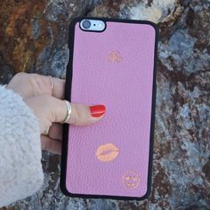 Pink iphonecase  #iphoneonly #iphonecover #iphonecase #pink #cool #luxury #lifestyle #unisex #leathergoods #craftedinistanbul #cases #tech #accessories #serapaktug #serapaktugleathergoods #look #iphonekapak #iphonekılıf #pembe #girls #kiss #emoji #playful