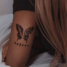 Rebellen Tattoo, Forarm Tattoos, Spine Tattoos, Piercing Tattoo, Body Art Tattoos, Hand Tattoos, Girl Tattoos, Piercings, Tatoos