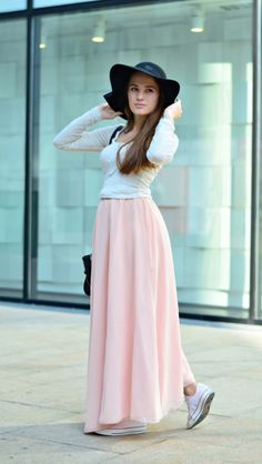 maxi pink skirt with black hat #fashion