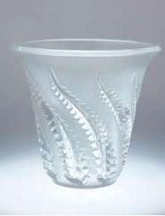 Lalique beaker vase moulded with wrythen fern fronds