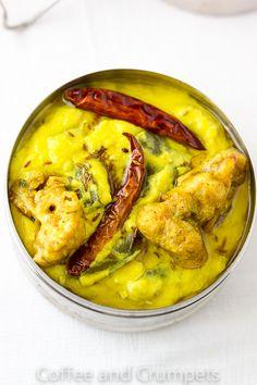 Dahi Ki Kadhi | Yoghurt Curry with Cauliflower Fritters